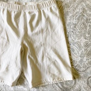 UNDER ARMOUR Bike Shorts White Small